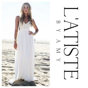 L'ATISTE Boho Lace Backless White Maxi Dress (S)